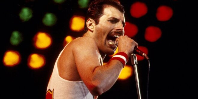 Mandatory Credit: Photo by Graham Wiltshire/Shutterstock (2181046c) Queen - Freddie Mercury in concert, the Milton Keynes Bowl, Britain Various