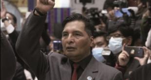 El ministro de Educación, Adrián Quelca, fue dirigente de los maestros urbanos. Foto:Archivo/ Página Siete
