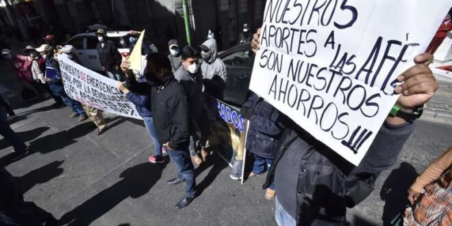 A los aportantes les urge acceder a sus recursos Foto: Foto APG Noticias.