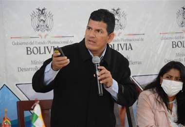 El Ministro Caceres fue cesado en sus funciones