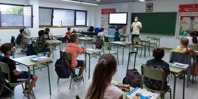 Polemica por el retorno a las aulas Foto: AFP