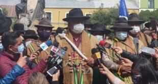 Los campesinos de Achocalla se pronunciaron en plaza Murillo. Foto: ERBOL.
