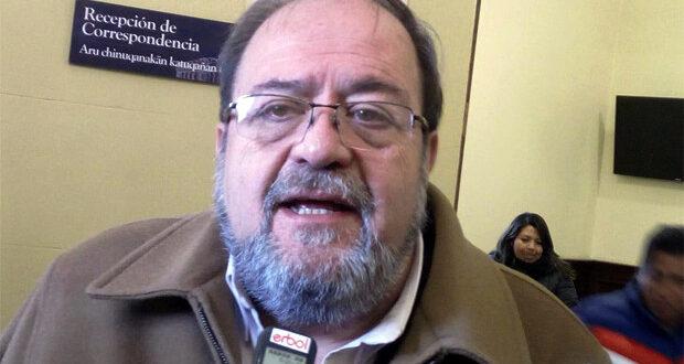 El exministro de Educación, Roberto Aguilar, en una pasada entrevista con Erbol. Foto: Erbol - archivo