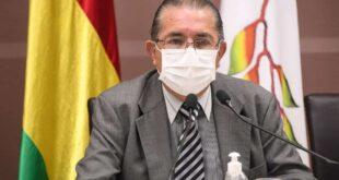 """""""El ministro de Salud refirió que están trabajando para inmunizar a la población"""""""