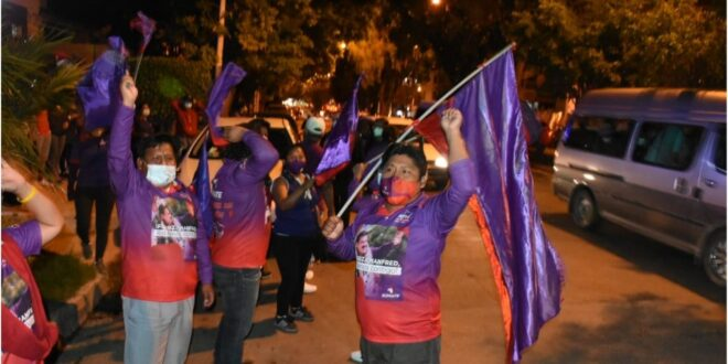 La protesta de simpatizantes de Súmate en Cochabamba. DICO SOLÍS