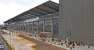 La nueva y gigantesta terminal de buses interdepartamentales, en la ciudad de El Alto. Foto:AMI