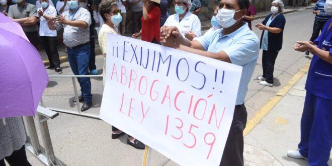 Médicos se movilizan en contra de la Ley de Emergencia Sanitaria. Noé Portugal