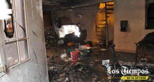 Daños en una de las viviendas afectadas por la caída de la aeronave. | Daniel James