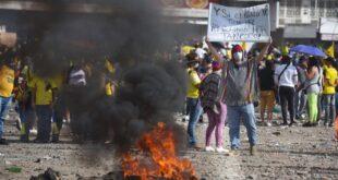 Las protestas en Colombia, por la reforma tributaria. / Foto: EFE