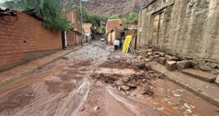 Una de las calles de Camargo tras la torrencial lluvia.   GAM de Camargo